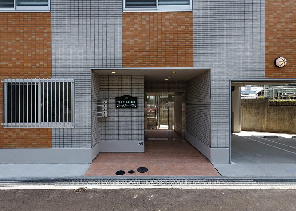 ロイヤル駅南通 アプローチ