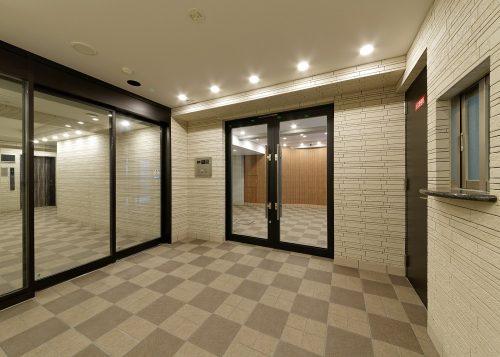 バックス神戸West:風除室