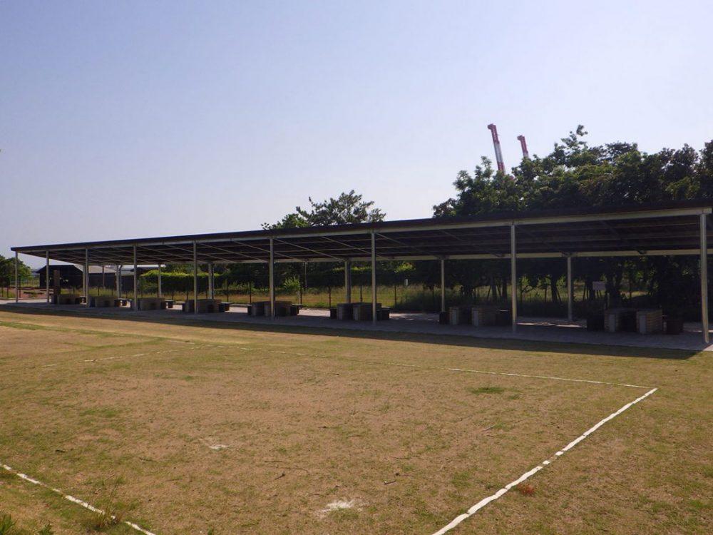 六甲アイランドバーベキュー場屋根設置 2